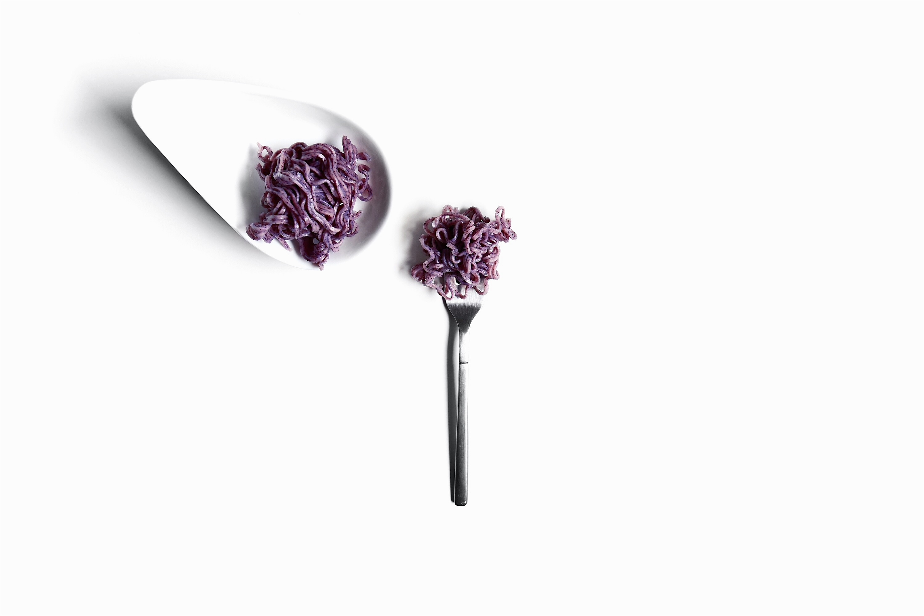 Ultra-Violet-Pantone-2018-Food-on-Fork